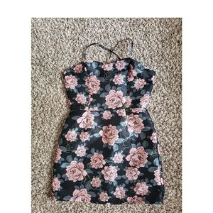 NWT Forever 21 Floral Brocade Dress